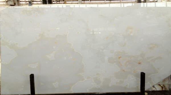 White crystal onyx